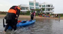 Light boat